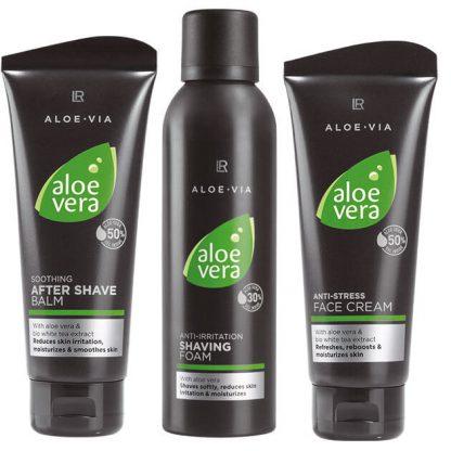 verzorgende scheerschuim set 1 Deze set bevat 3 speciaal geselecteerde producten om de mannen huid goed te verzorgen en te Hydrateren. Doordat de het allemaal op Aloe Vera basis is kunt je het voor elk huid type gebruiken.
